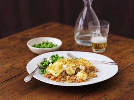 shepards: A portion of shepherds pie with peas