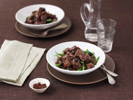 cuisines: Provençal beef with olives and green beans