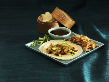 hoisin sauce: Shredded duck with cucumber and spring onions on pancakes (China)