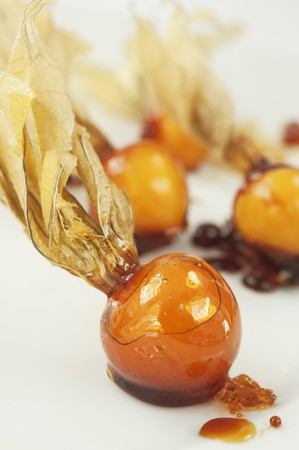 Caramelised physalis (close-up) LANG_EVOIMAGES