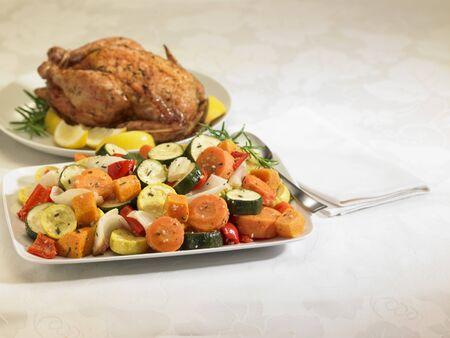 cucurbit: Roast chicken and vegetable platters LANG_EVOIMAGES