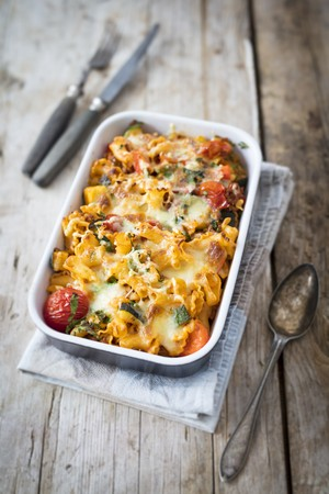 gallo: Mediterranean pasta bake in an ovenproof baking dish LANG_EVOIMAGES