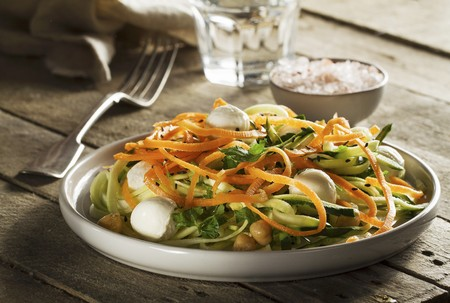 Vegetable salad with carrot, courgette, chickpeas, mozzarella and parsley