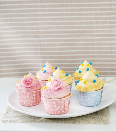 childs birthday party: Cupcakes for a baby shower