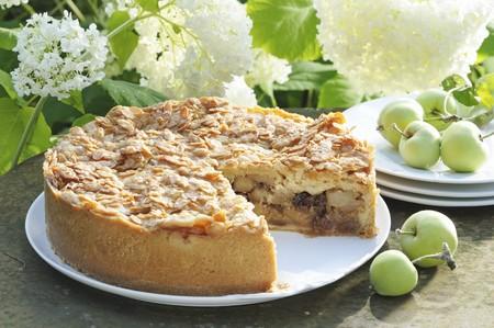 pip: Apple bee sting tart, sliced