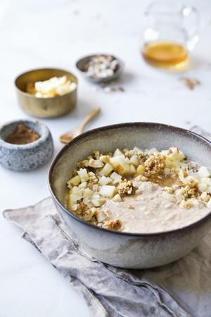 pip: Porridge with apple and honey