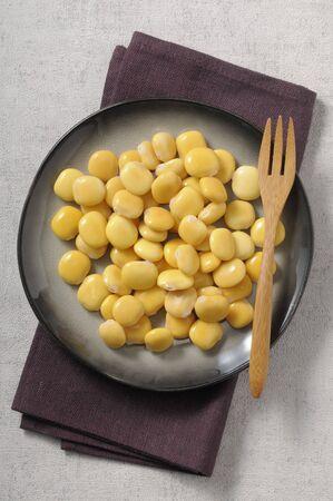 brine: Lupine seeds in brine