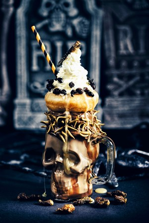 mealworm: Halloween freakshakes with Locusts, Mealworms, Queen Leafcutter Ants Mopane Worms