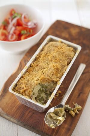 Polpettone alla genovese (Gemüsepasta mit Kartoffeln, grünen Bohnen und Majoran, Italien)