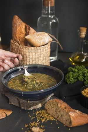provenance: Vegetable soup with herbs and bread