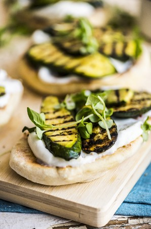 food: Zucchini Labneh Flatbread LANG_EVOIMAGES