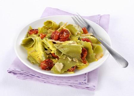 Maltagliati allo zafferano (wide pasta ribbons with saffron, Italy)