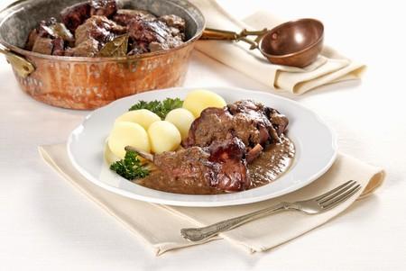Lepre in civet (Italian venison braised in red wine) LANG_EVOIMAGES