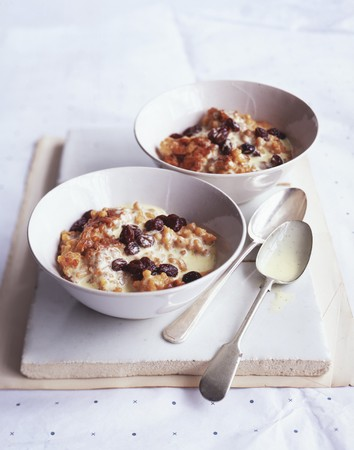 Rice pudding with fruit and chocolate chips LANG_EVOIMAGES