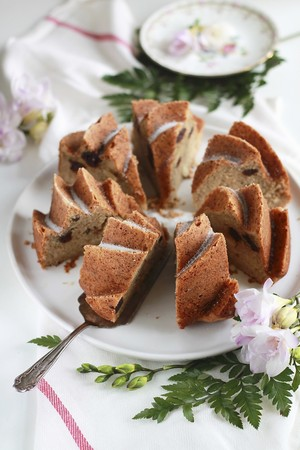 pip: An apple purée Bundt cake with almonds and cherries