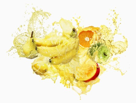 non alcoholic: Fruits splashed in multi-vitamin juice