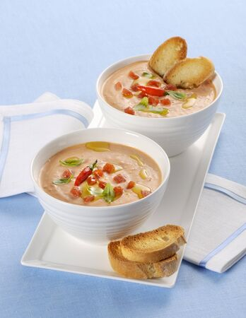 whiteness: Creamy tomato soup with toasted bread