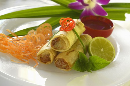 Spring rolls filled with lobster (China)