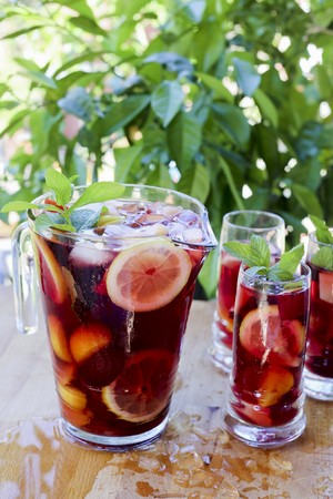 Sangria in a pitcher and in glasses LANG_EVOIMAGES