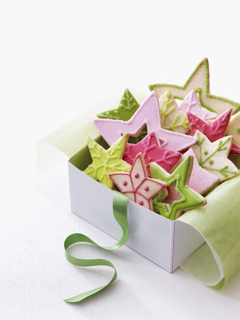 whiteness: Colourful Christmas star biscuits in a gift box