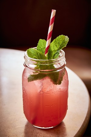 Iced tea with peppermint LANG_EVOIMAGES