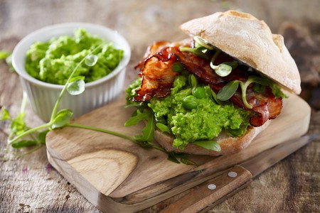 A mushy pea and bacon sandwich LANG_EVOIMAGES