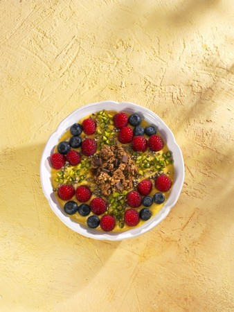 banana: Banana and coconut smoothie bowl LANG_EVOIMAGES