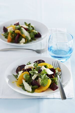 Beetroot salad with goats cheese and oranges LANG_EVOIMAGES