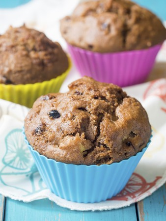 Vegan wholemeal spelt muffins with apples and berries