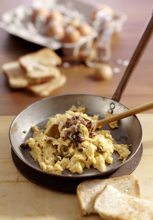 Scotch Woodcock (scrambled egg with anchovies and capers, Scotland) LANG_EVOIMAGES