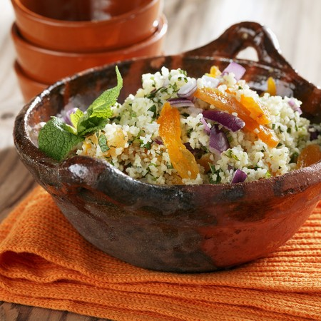 Tabbouleh with dried apricots and mint LANG_EVOIMAGES