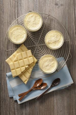 White mousse au chocolat
