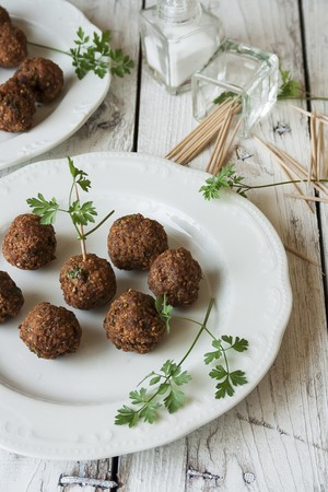 Falafel with toothpicks LANG_EVOIMAGES
