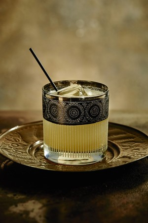 Penicillin cocktail made with candied ginger, scotch whisky and lemon juice