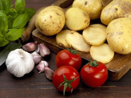 tomato, garlic and basil with potato ingredients
