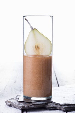 alcohol series: A pear smoothie