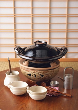 utensilios de cocina: Japanese-style Stew Cooked at the Table Preparations