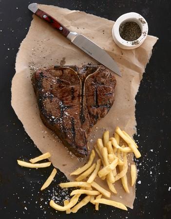 porterhouse: Porterhouse steak with fries LANG_EVOIMAGES