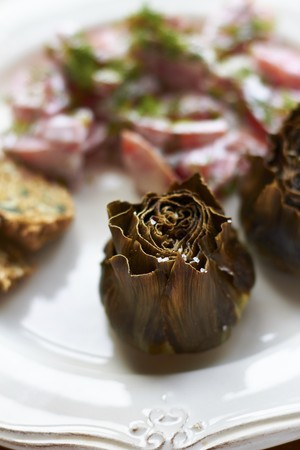 Oven-roasted artichokes LANG_EVOIMAGES