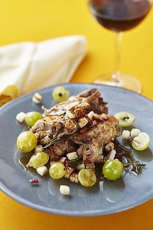 Quail with grapes LANG_EVOIMAGES