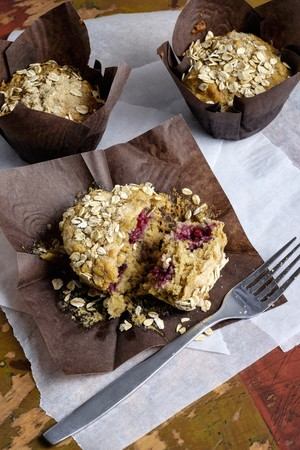 bakery products: Raspberry muffins with oats