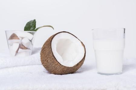 breaking: Coconut milk and an open coconut