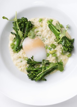 poaching: Risotto with broccoli and poached egg
