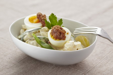 Potato salad with eggs and beans LANG_EVOIMAGES
