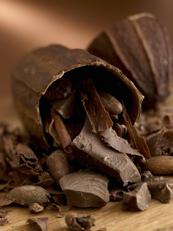A cocoa pod with chocolate LANG_EVOIMAGES