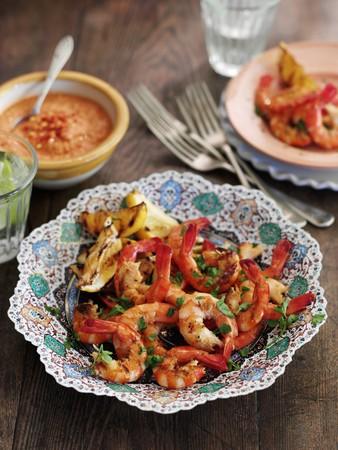 vaso de precipitado: Grilled prawns with a Romesco broccoli sauce