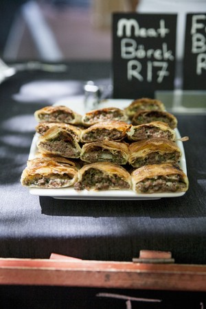 carne picada: Borek filled with minced meat in a restaurant LANG_EVOIMAGES