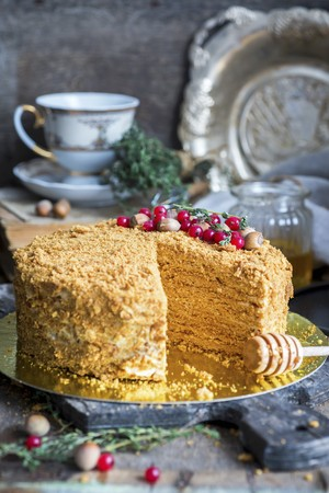 Medovik, a traditional Russian honey cake LANG_EVOIMAGES