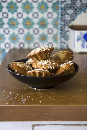 vintage: Tortine all mandorle e al cocco (small almond cakes with coconut)
