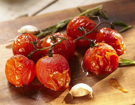 Roasted Garlic Tomatoes LANG_EVOIMAGES